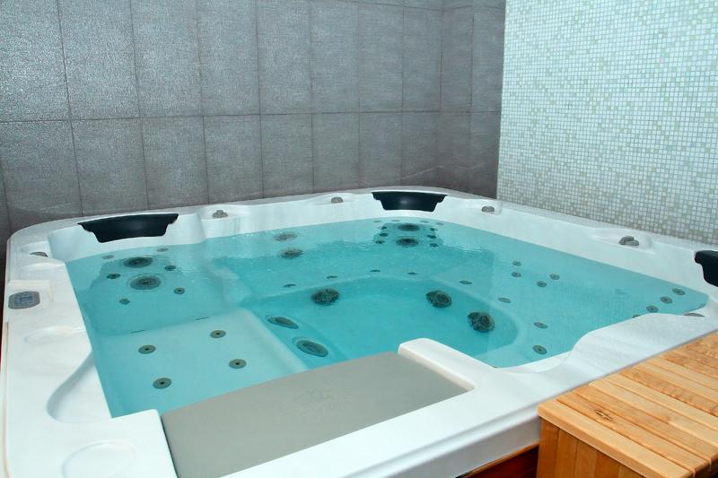 Спа - гидромассажный бассейн.